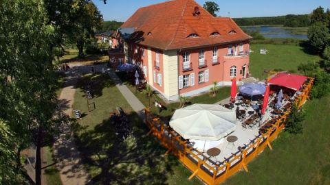 "Luftbild Hotel ""Altes Gutshaus"" Federow"